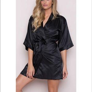 NWT Victoria's Secret Satin Robe